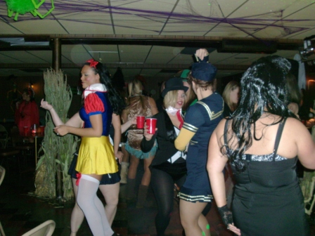 Halloween2010/2010_Halloween_Party_015.jpg